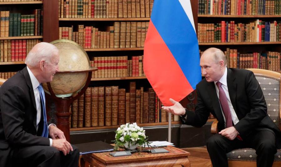 <p>Владимир Путин и Джо Байден. Фото © ТАСС / Михаил Метцель</p>
