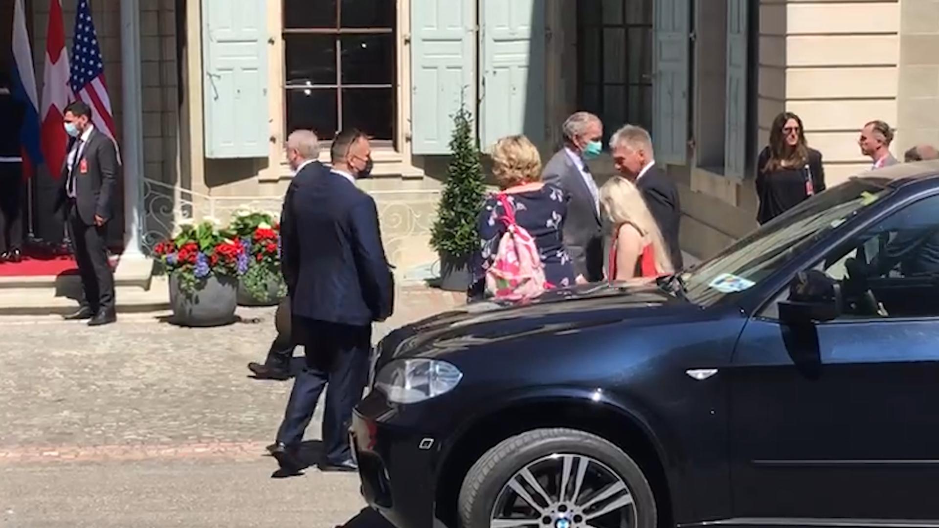 Российская делегация прибыла к месту проведения саммита Путина и Байдена