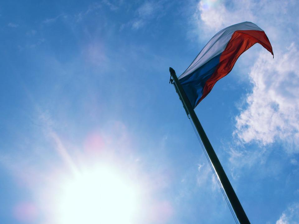 Премьер Чехии заявил о необходимости наладить новые отношения с Россией