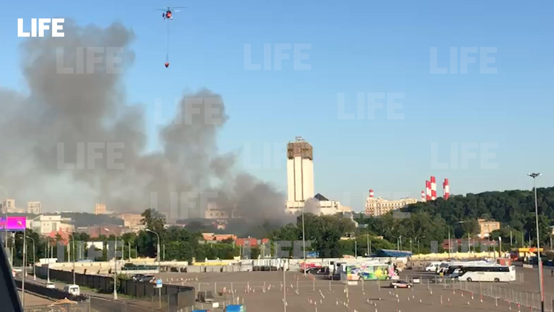 В Москве прокуратура организовала проверку из-за пожара на складе с пиротехникой