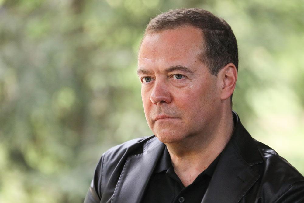 Медведев заявил о хакерских атаках из-за рубежа на праймериз ЕР