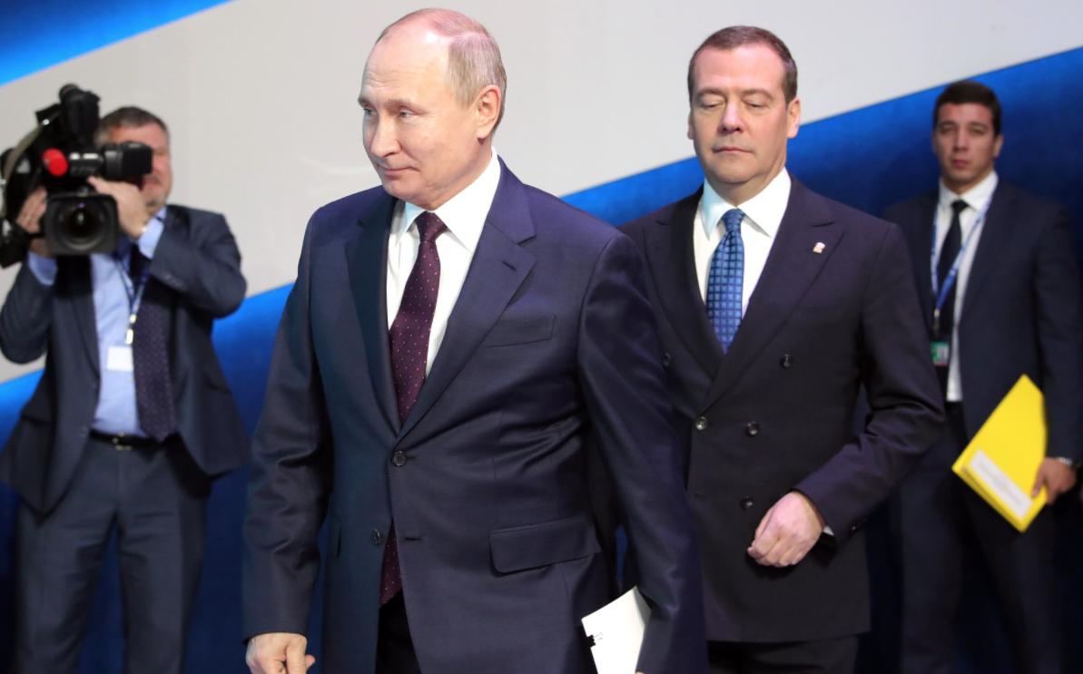 Медведев пригласил Путина на съезд Единой России 19 июня
