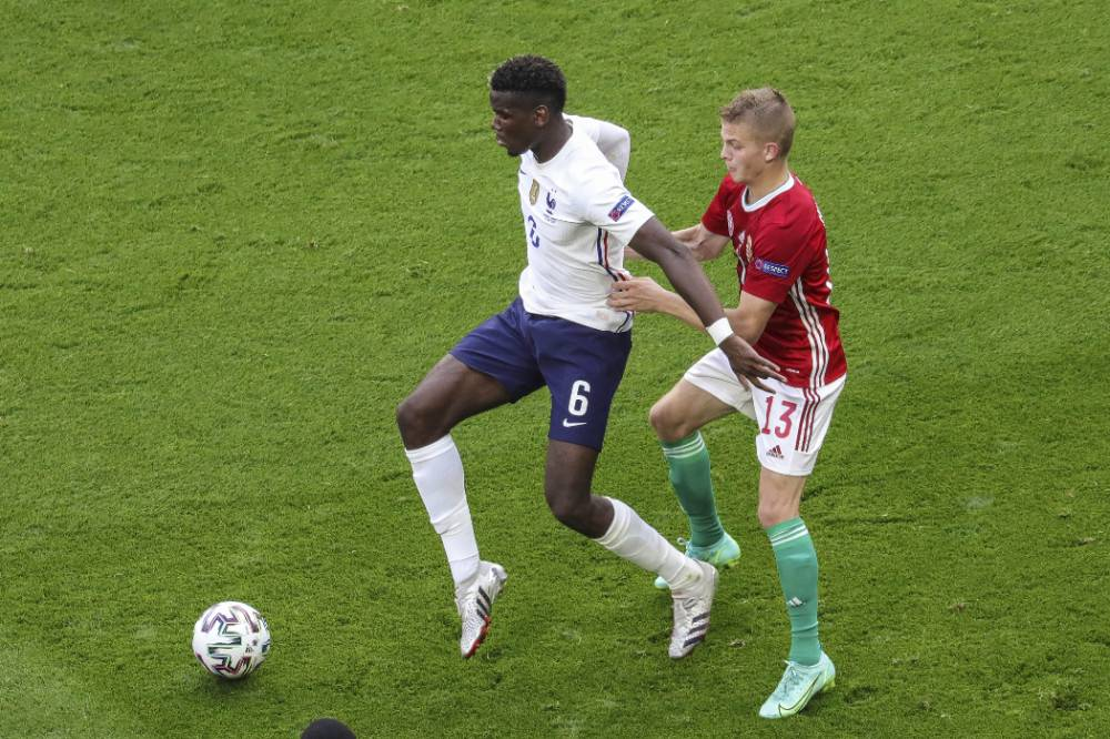 Два игрока сборной Франции подверглись расистским оскорблениям во время матча с Венгрией