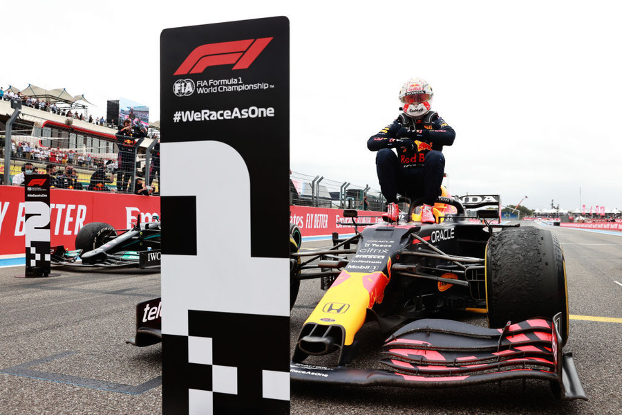 "<p>Фото © Twitter / <a href=""https://twitter.com/F1/status/1406626182922215429/photo/1"" target=""_blank"" rel=""noopener noreferrer"">Formula1</a></p>"