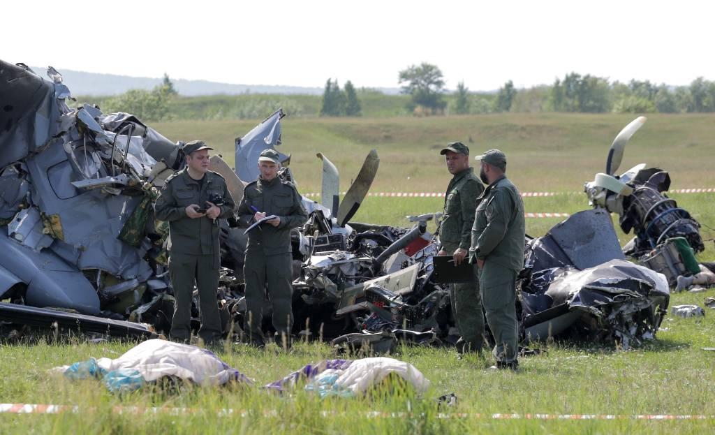 Лайф узнал о состоянии парашютистов, попавших в реанимацию после авиакрушения в Кузбассе