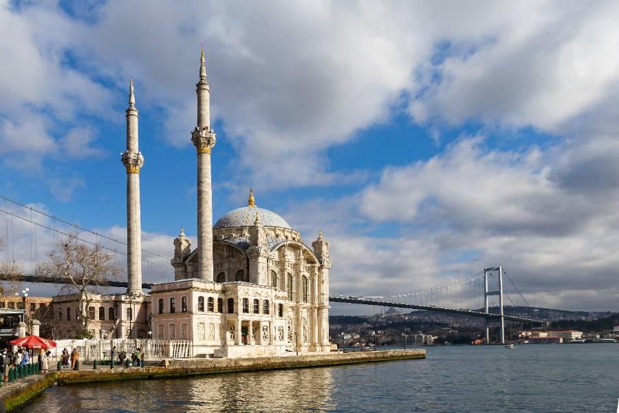 Россия возобновила авиасобщение с Турцией