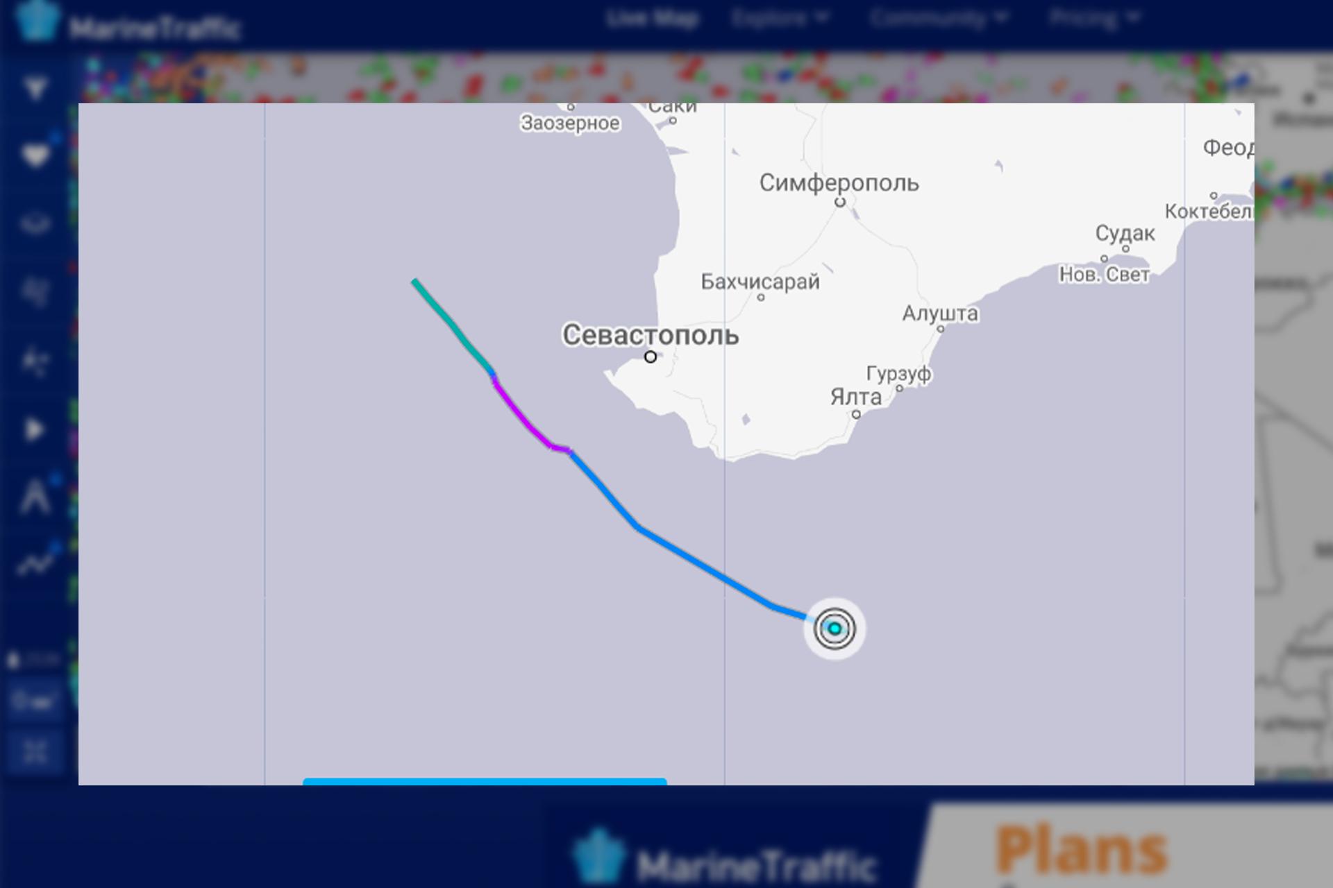 Траектория движения эсминца HMS Defender. © Marinetraffic