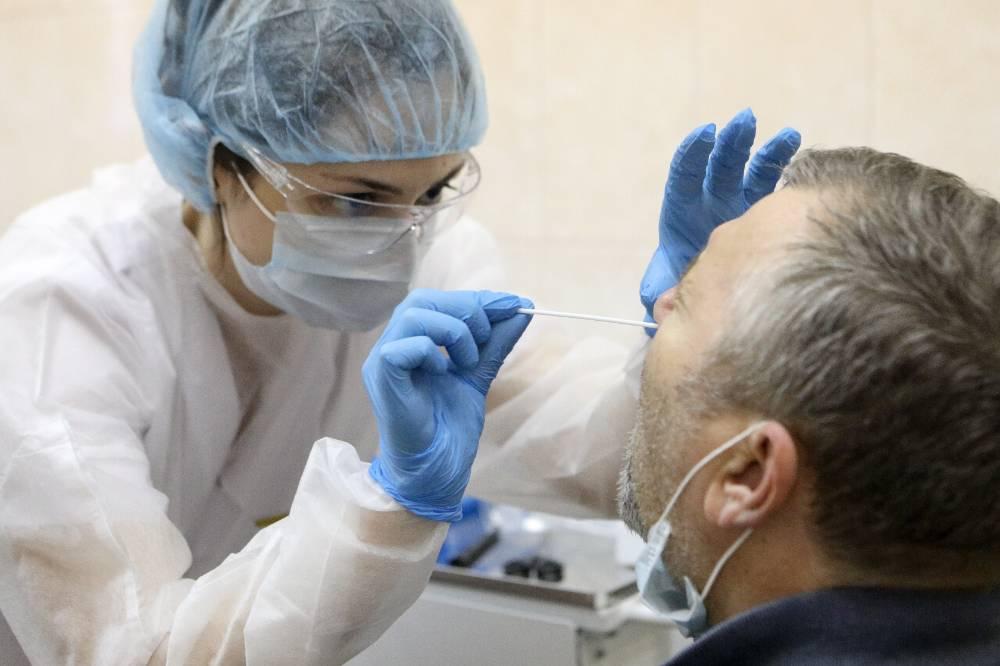 Украина ввела обязательное тестирование на коронавирус для въезжающих из России