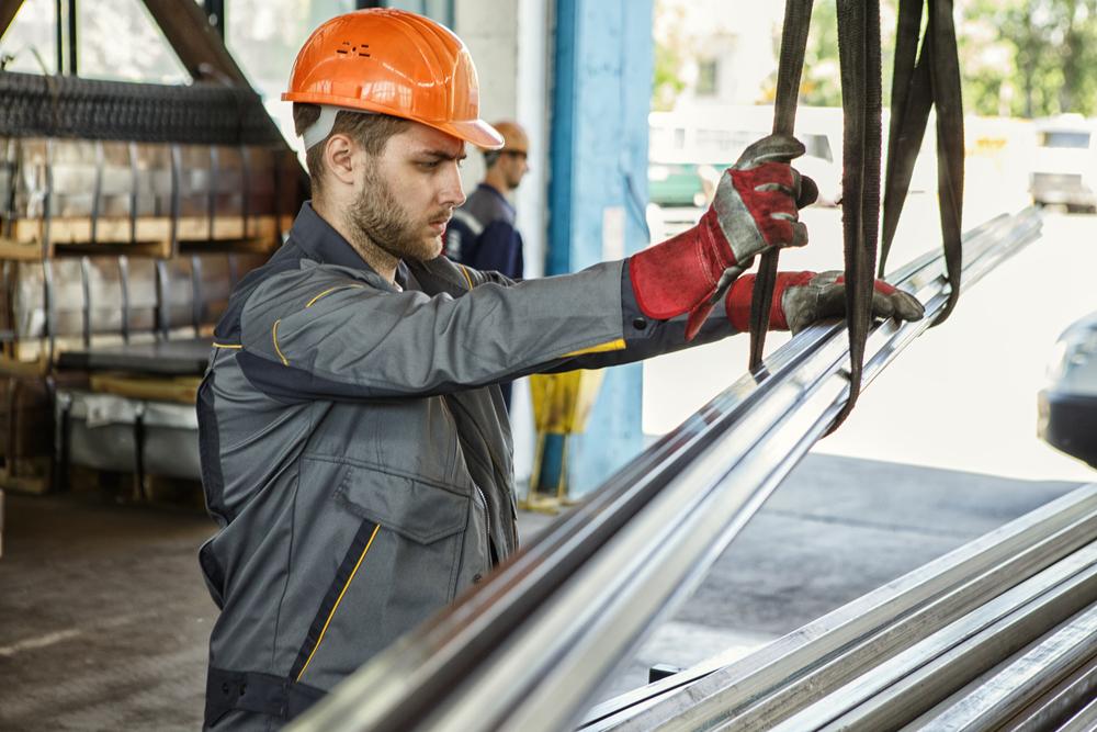 Правительство утвердило введение временных пошлин на экспорт металлов