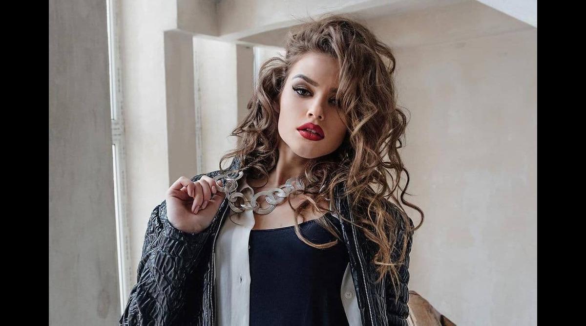 147222130364.9926 Горячая актриса с Украины испугала всех парней в TikTok, показав, что скрывается под тоннами макияжа