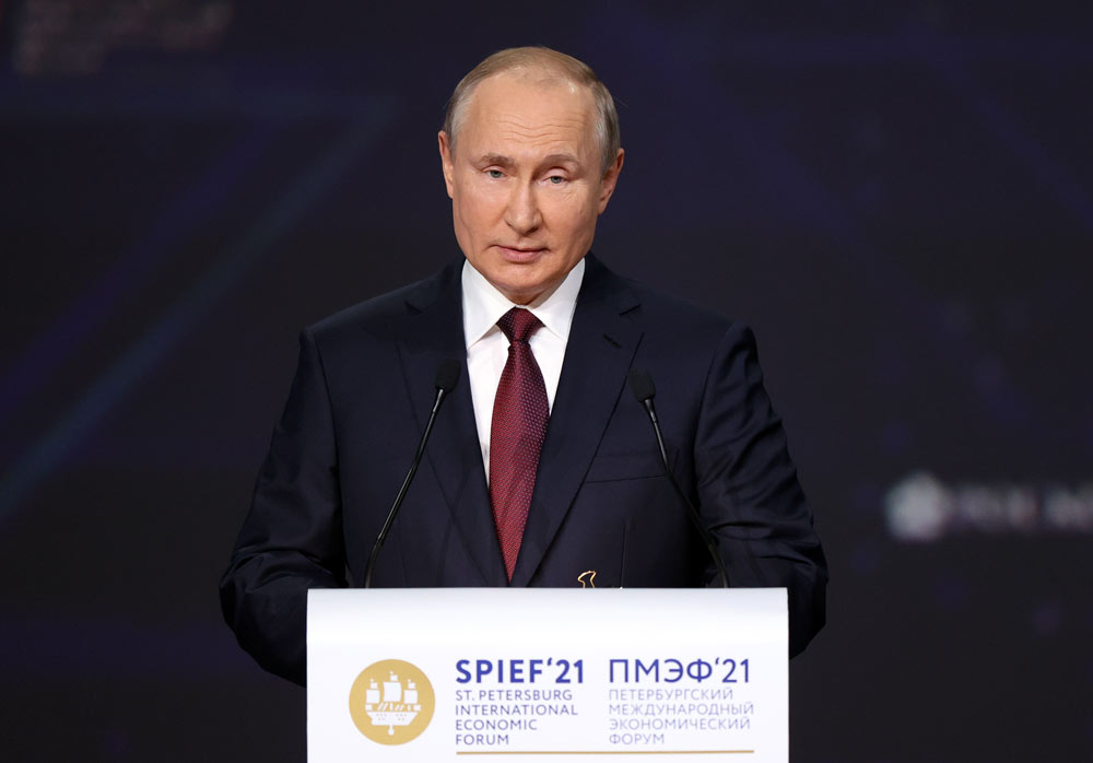 Путин призвал освободить малый и средний бизнес от избыточного антимонопольного контроля