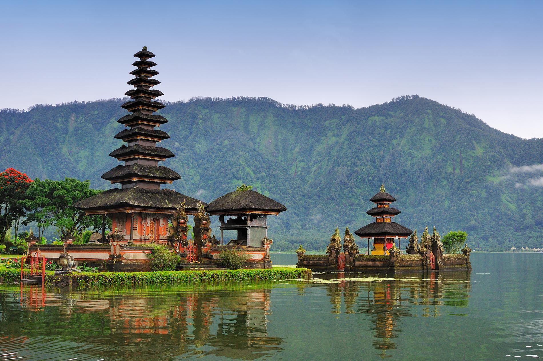 Бали может начать принимать туристов уже в июле