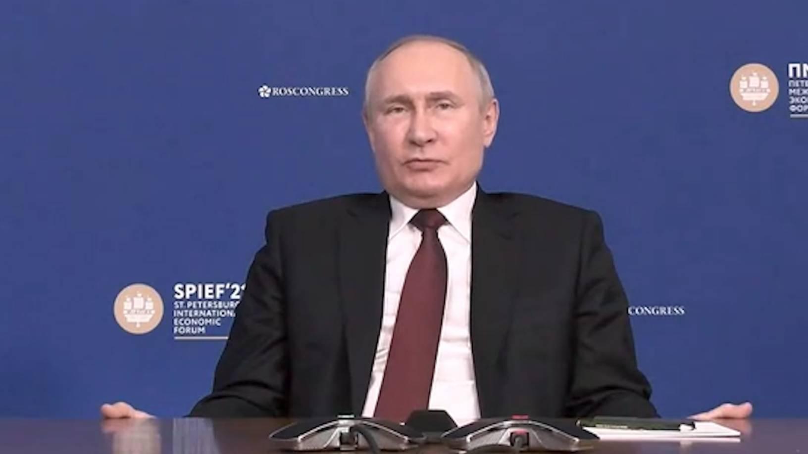 Сапоги всмятку: Путин назвал чушью упрёки в использовании Спутника V для политического давления