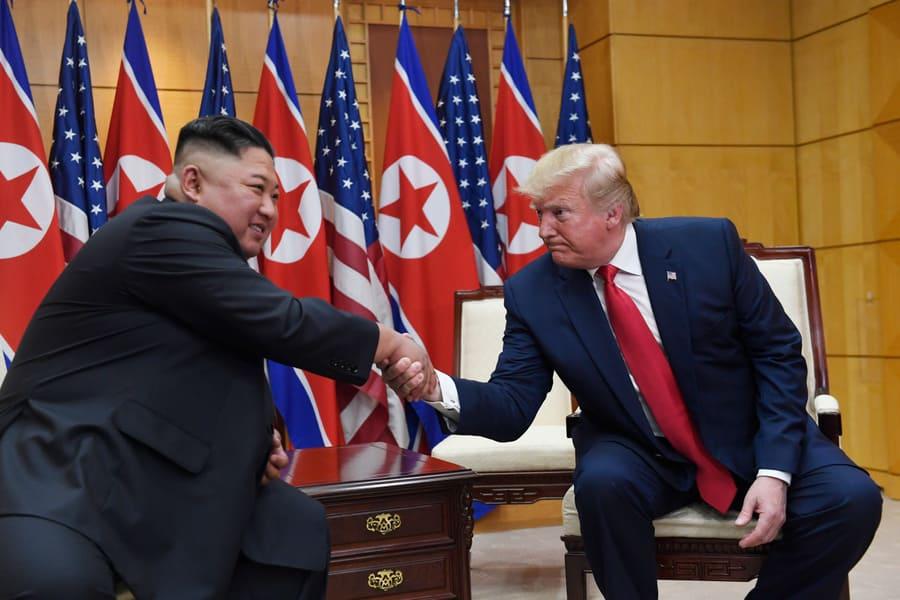 <p>Лидер КНДР Ким Чен Ын и президент США Дональд Трамп. Фото © ТАСС / AP</p>
