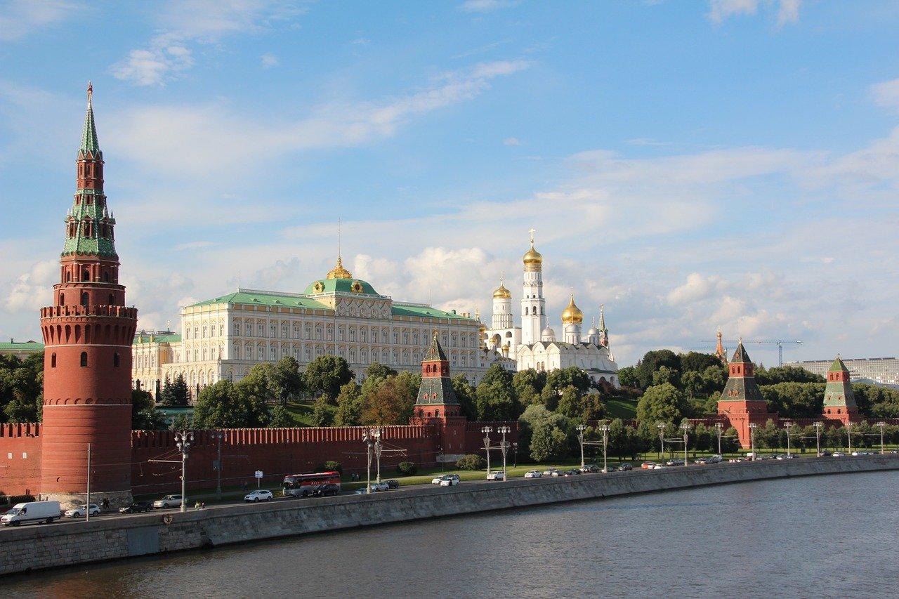 В Кремле ответили на вопрос о компенсации зарплат за нерабочие дни