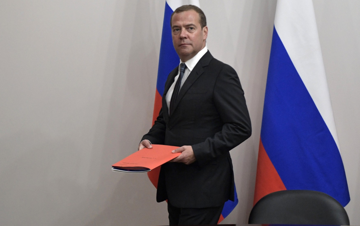 Медведев рассказал, как меры Единой России помогли снизить зависимость экономики от цен на нефть
