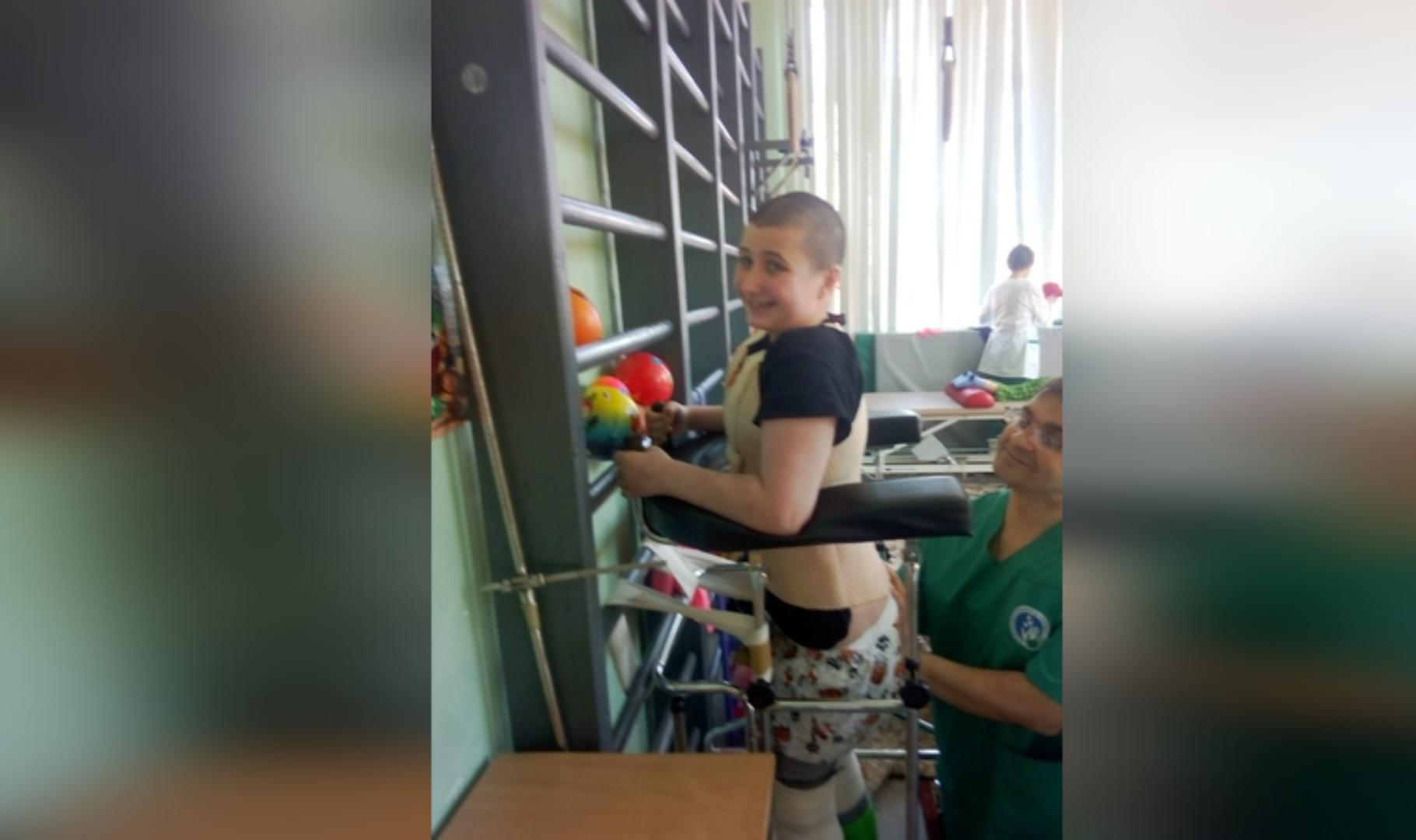 Я уже не встану: Петербурженка рассказала о своей жизни после падения на неё строительных лесов