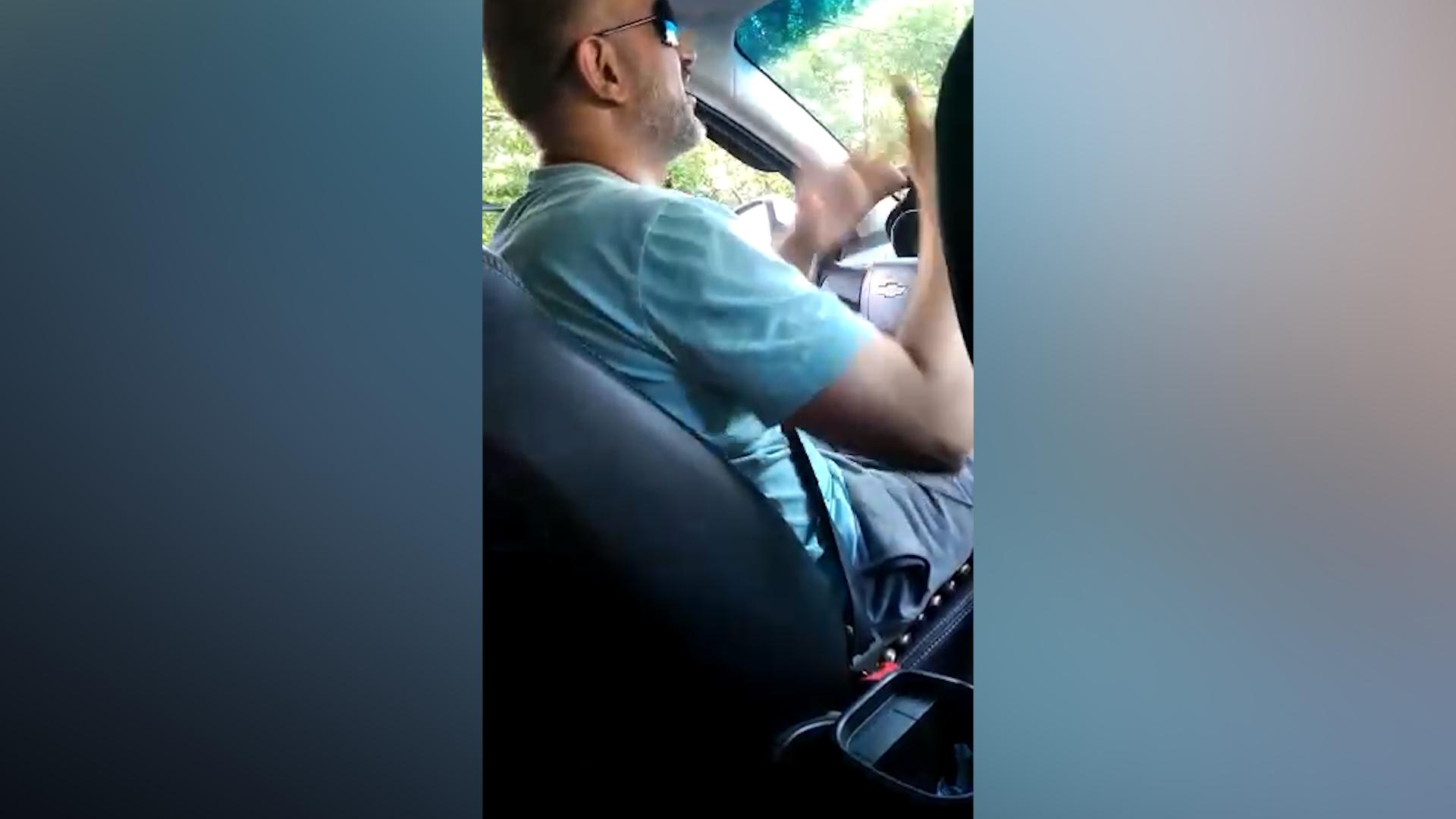 """1104608672824.4578 """"Не по кайфу такой заказ"""": В Колпино таксист высадил пассажирку на полпути из-за низкой стоимости поездки"""
