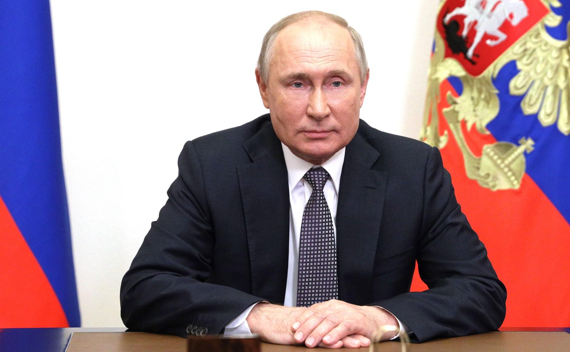 """1120499442405.9304 Путин заявил, что РФ продолжит поддерживать Белоруссию в условиях """"санкционного и политического давления"""""""