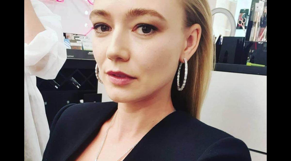 1528402859178.995 Оксана Акиньшина случайно показала свою голую грудь, не заметив, как та попала на фото с дочкой