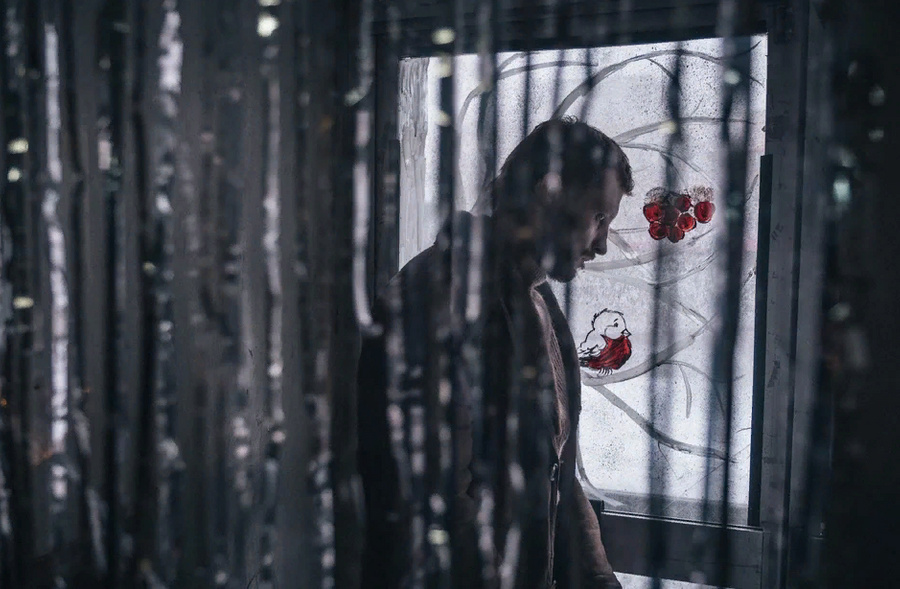 "<p>Кадр фильма ""Петровы в гриппе"" / <a href=""https://www.kinopoisk.ru/picture/3662610/"" target=""_blank"" rel=""noopener noreferrer"">""Кинопоиск""</a></p>"