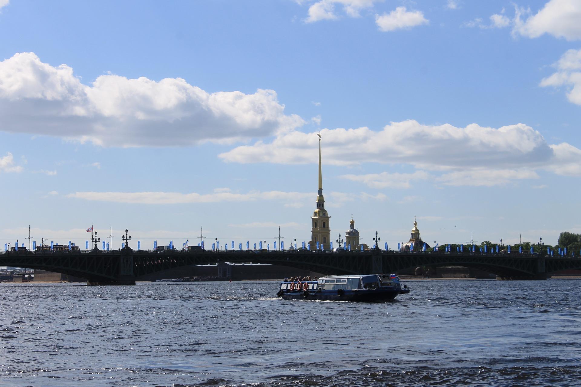 Ловите момент, пока тепло: Петербуржцы нашли новый способ заработать в жару