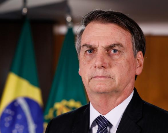 Президента Бразилии Болсонару экстренно госпитализировали с болями в животе