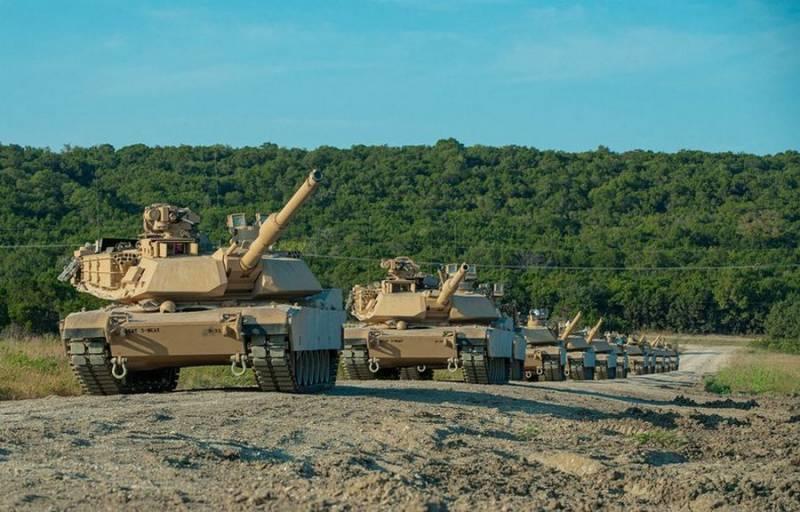 "<p>Танк Abrams. Фото © Twitter / <a href=""https://twitter.com/topwar_ru"" target=""_blank"" rel=""noopener noreferrer"">Военное обозрение</a></p>"