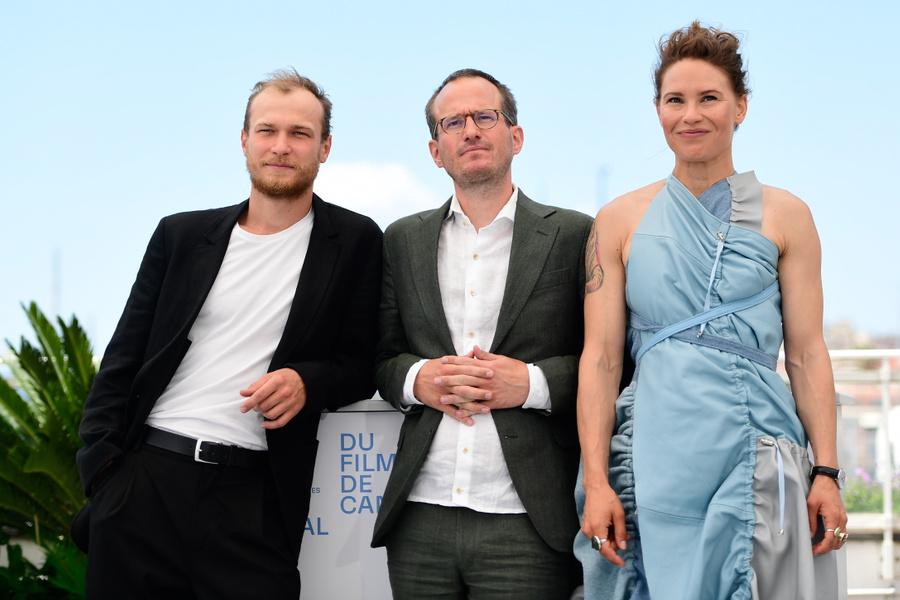 <p>Юра Борисов, Юхо Куосманен и Сейди Хаарла (слева направо). Фото © ТАСС / ЕРА</p>