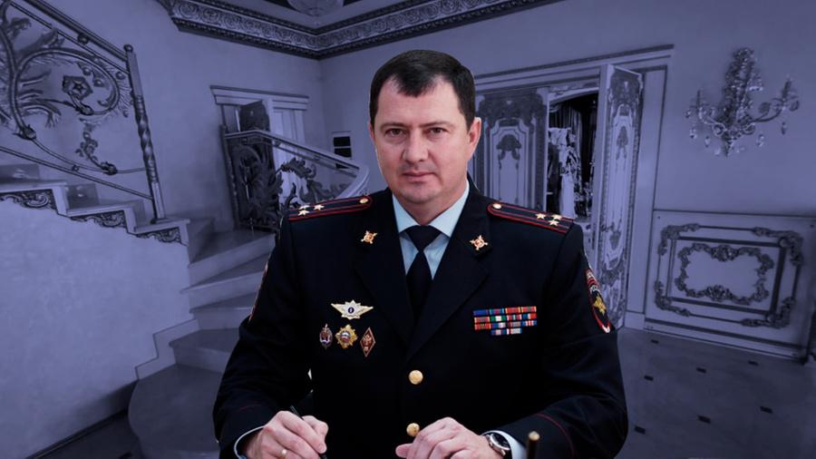 """<p>Коллаж © LIFE. Фото © <a href=""""https://stapravda.ru/20200703/aleksey_safonov_my_vse_dolzhny_byt_na_dorogah_v_bezopasnosti_150330.html"""" target=""""_blank"""" rel=""""noopener noreferrer"""">Stapravda.ru</a>, © <a href=""""https://t.me/Hinshtein/970?single"""" target=""""_blank"""" rel=""""noopener noreferrer"""">Telegram-канал Александра Хинштейна</a></p>"""