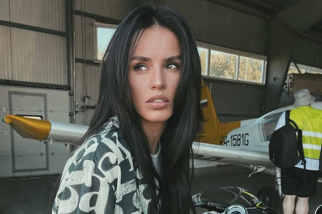 Певица Zivert сорвала корпоратив продюсера в Турции и не хочет возвращать гонорар