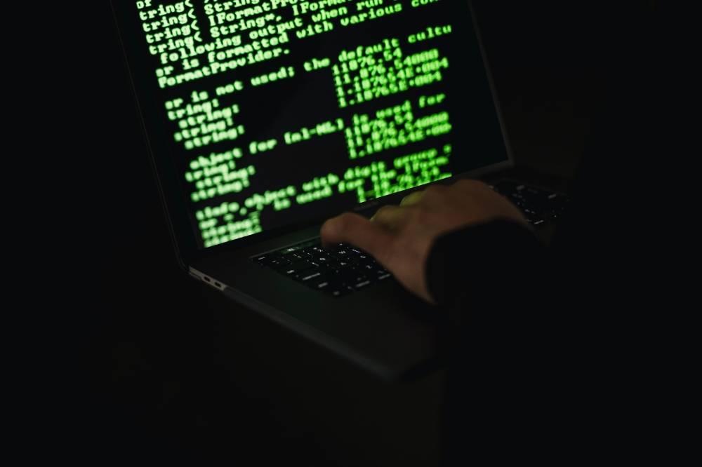 В Кремле назвали актуальными учения по отключению Рунета от глобальной Сети
