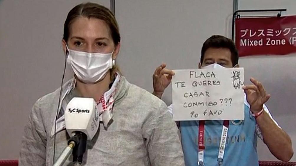 Тренер сделал предложение аргентинской саблистке в прямом эфире на Олимпиаде