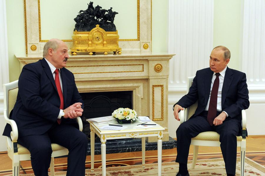 <p>Владимир Путин и Александр Лукашенко. Фото © ТАСС / Михаил Климентьев / Пресс-служба президента РФ</p>