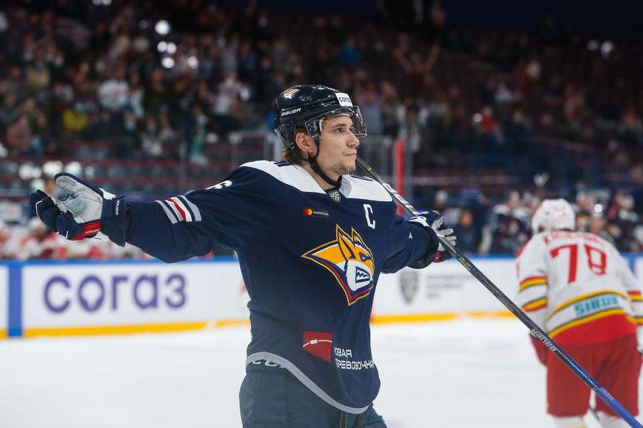 "<p>Фото © <a href=""https://cska-hockey.ru/news/general/sergey_plotnikov_stal_igrokom_tsska/"" target=""_blank"" rel=""noopener noreferrer"">ХК ЦСКА</a></p>"