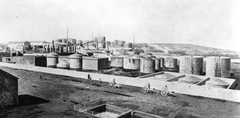 Нефтеперерабатывающий завод в Баку, 1912. Фото ©wikipedia