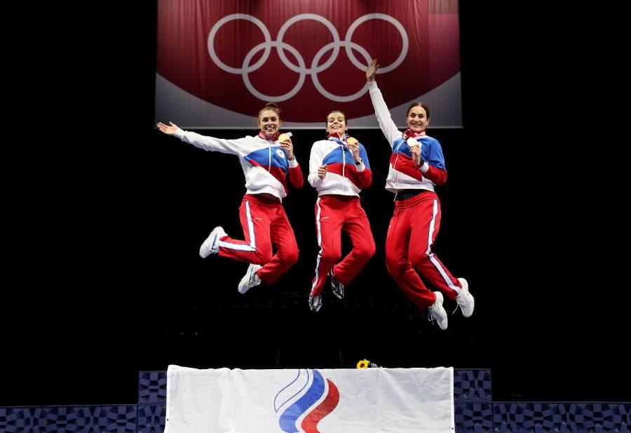 <p>Слева направо: София Позднякова, Ольга Никитина и Софья Великая. Фото © ТАСС / Сергей Бобылев</p>