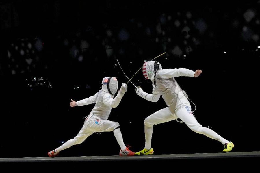 <p>Антон Бородачев (слева). Фото © ТАСС / AP / Hassan Ammar</p>