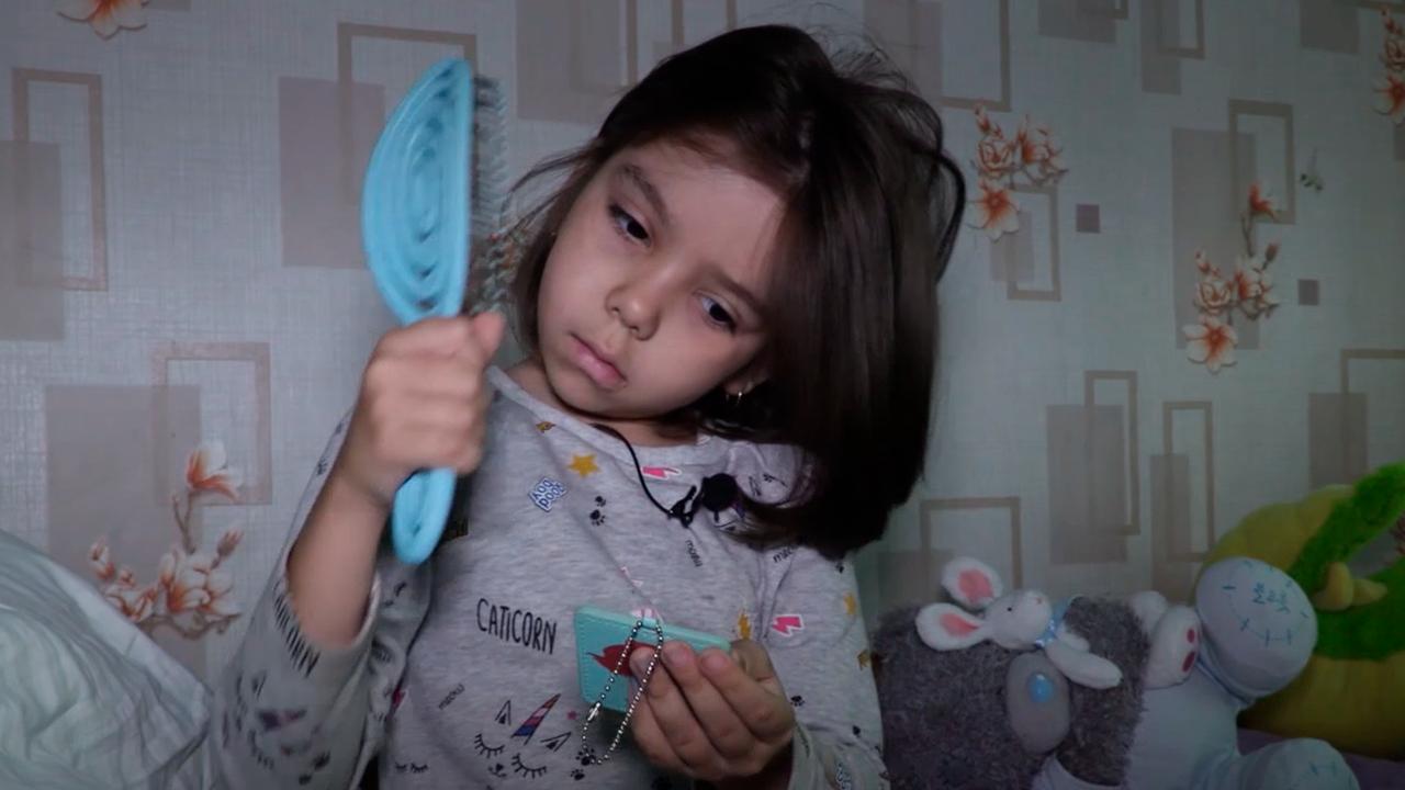 Приятно, когда делаешь добро: Восьмилетняя девочка из Челябинска пожертвовала свои волосы на парики для онкобольных детей