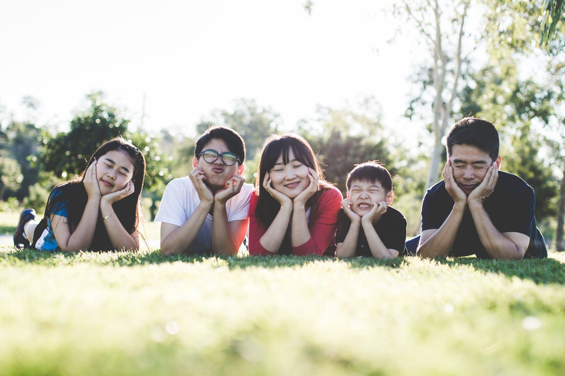 Парламент Китая одобрил поправку, разрешающую семьям заводить трёх детей