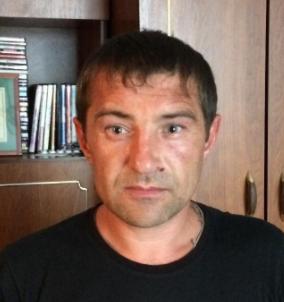 """<p>Когда вошёл в комнату, то увидел Игоря Атрощенко. Тот сказал: """"Иди погляди, не сдох ли"""". Дальше на кушетке лежал в крови Петроченко, ему было очень плохо</p>"""