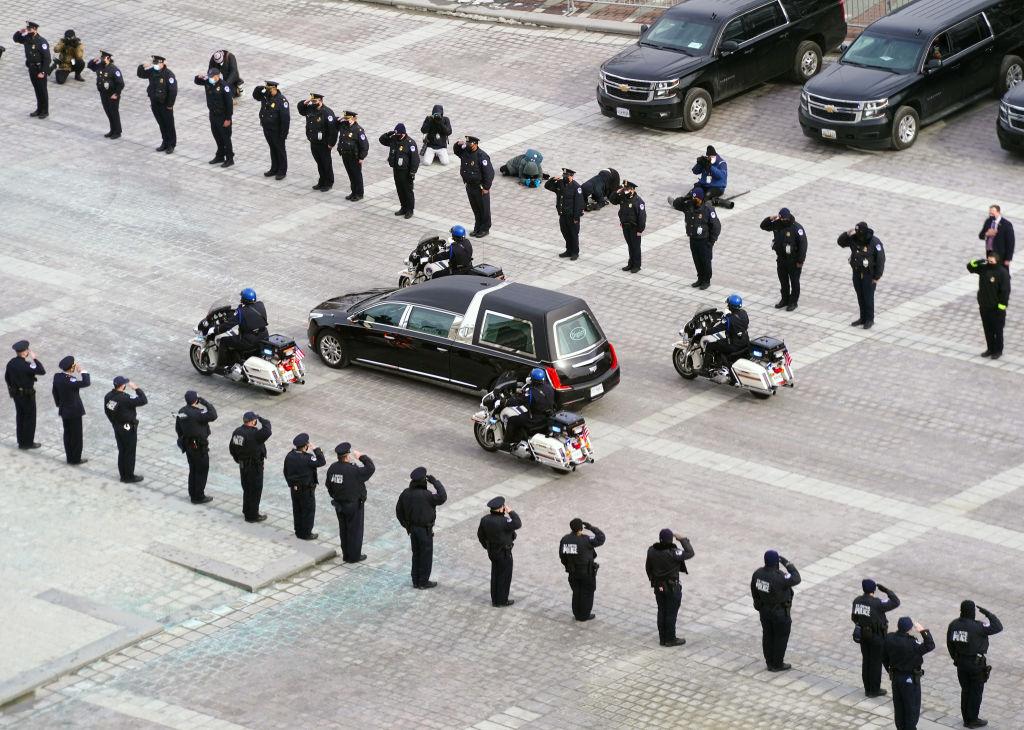 Похороны Брайана Сикника. Фото © Kevin Dietsch — Pool / Getty Images