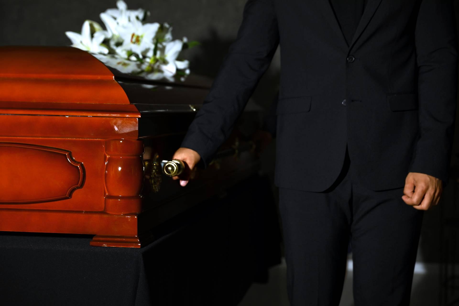 Работник похоронного бюро ответил на самые каверзные вопросы, которые вы постеснялись бы спросить