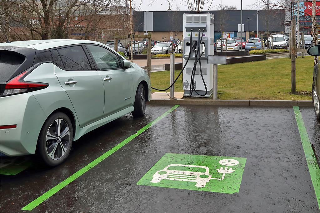 Россиянам предложили компенсировать до 625 тысяч рублей при покупке электромобилей