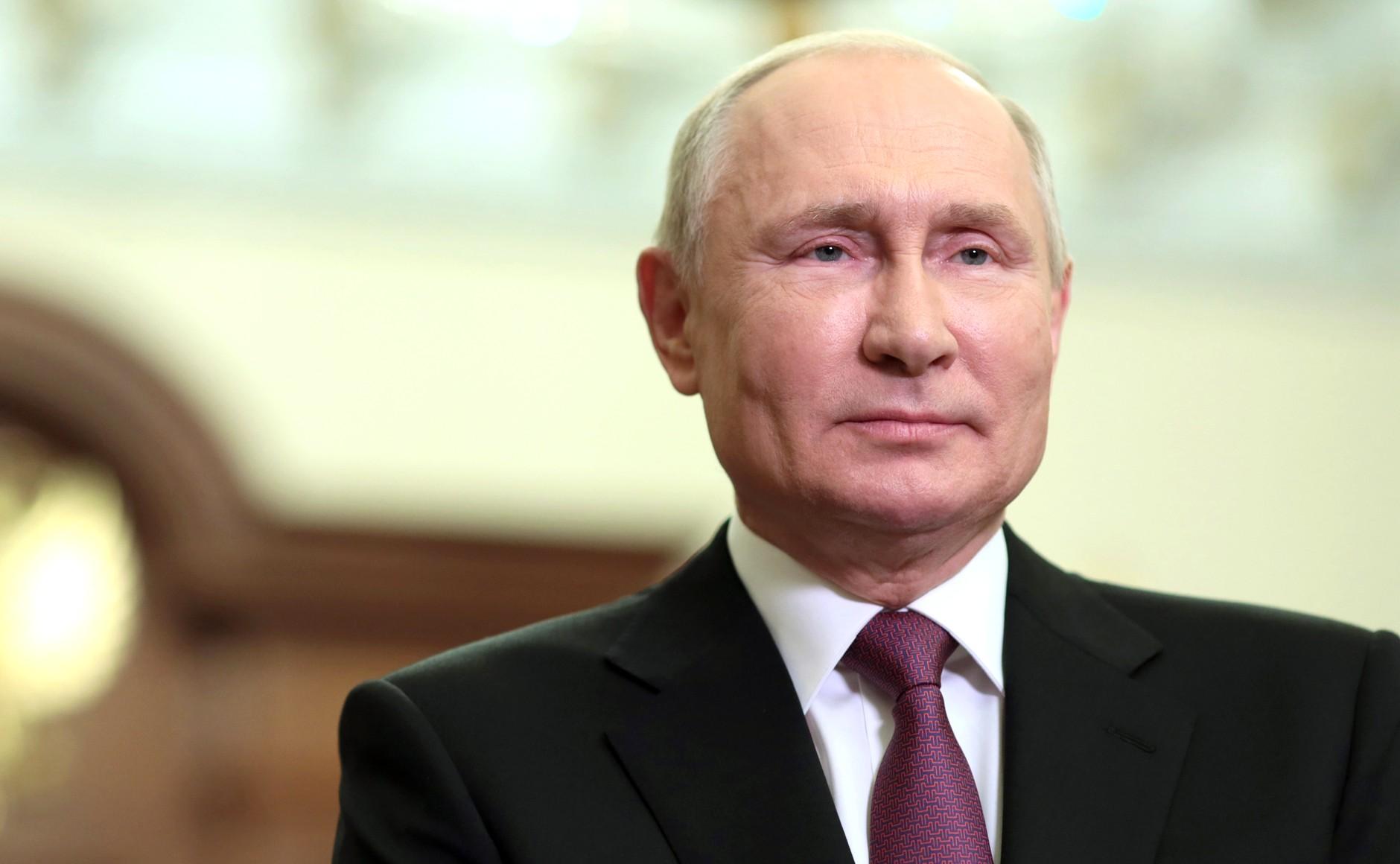 О новом сроке, доходах россиян, долларе и не только: Путин дал интервью телеканалу CNBC  главное