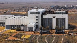 """Монтажно-испытательный комплекс с кораблём """"Буран"""" после обрушения кровли. Фото ©Wikimapia.org"""