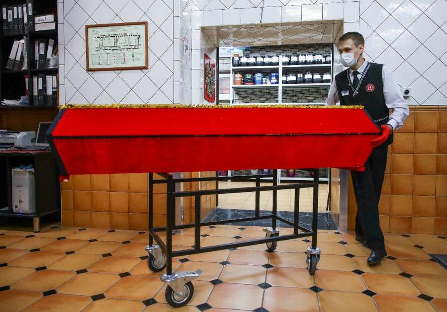 <p>Работа новосибирского крематория. Фото © ТАСС / Кирилл Кухмарь</p>