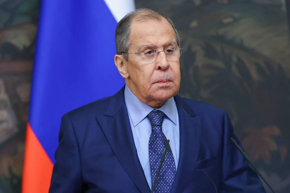 Проситель с вытянутой рукой: Лавров призвал Киев иметь достоинство и перестать постоянно что-то клянчить
