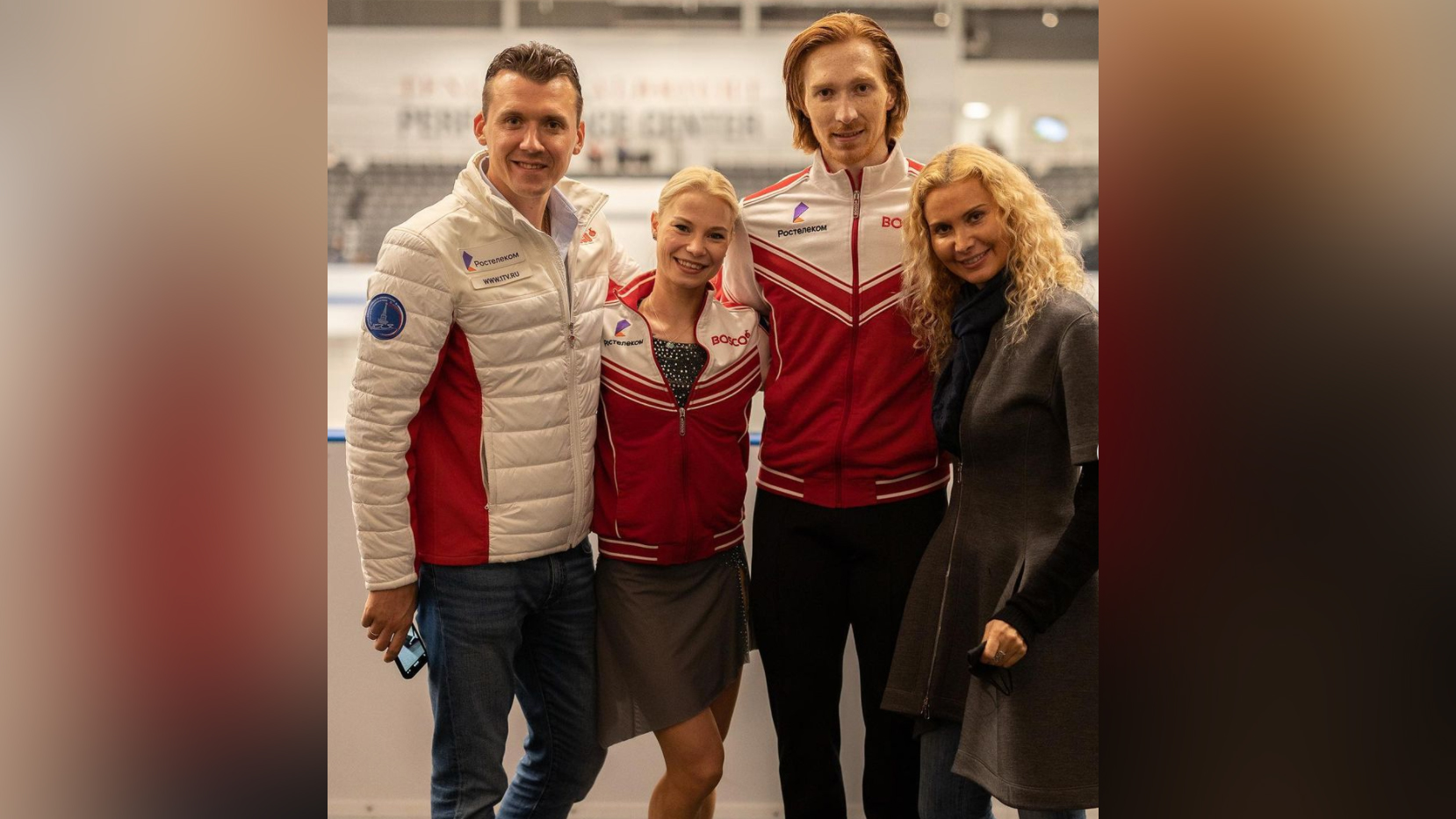 Павел Слюсаренко, Евгения Тарасова, Владимир Морозов и Этери Тутберидзе. Фото © Instagram / tutberidze.eteri