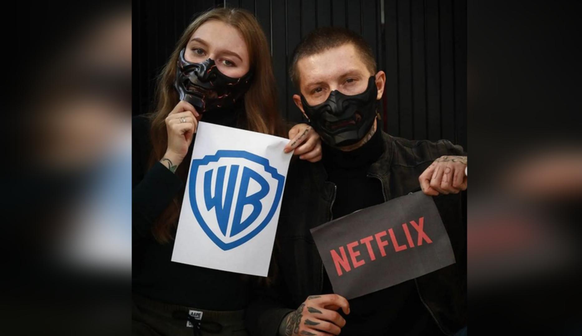 "Netflix купила для ""Люцифера"" маски за $1000 у сибиряка. Фото © Instagram / Евгений Северинов"